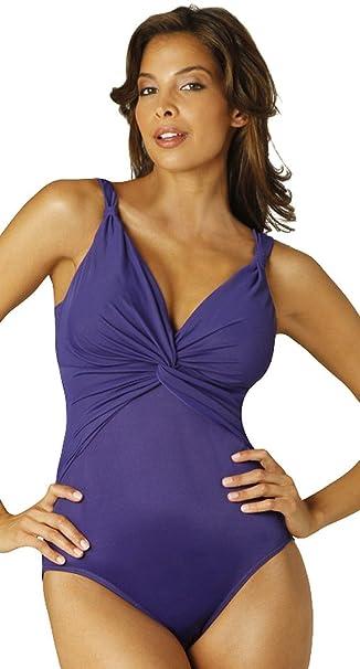 f836b913a1 Pandora Must Solid-Costume da Miraclesuit Swimwear, snellente, colore:  melanzana Melanzana 12: Amazon.it: Abbigliamento