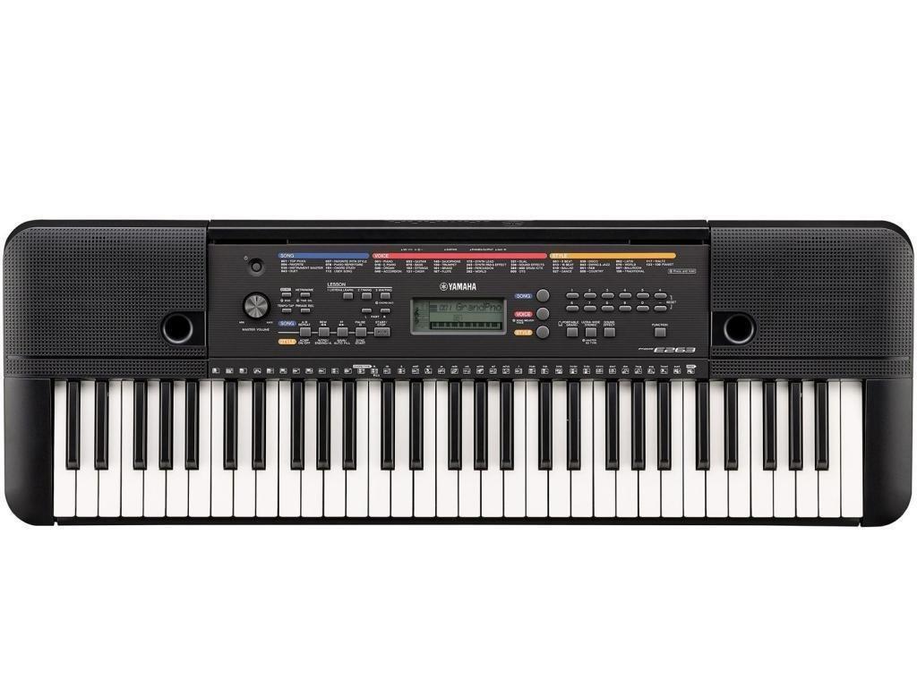 Yamaha PSR E263 - Teclado de 61 teclas, 400 sonidos y 130 estilos, incluye fuente de alimentación y soporte de teclado: Amazon.es: Instrumentos musicales