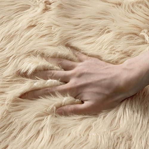 MIULEE Luxury Super Soft Fluffy Area Rug Faux Fur Rectangle Rug Decorative Plush Shaggy Carpet