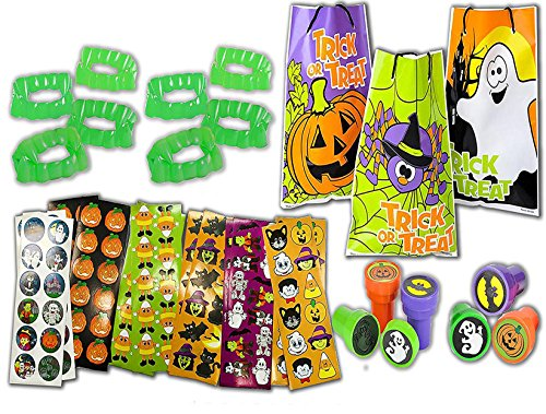 4E's Novelty 60 Piece Mega Halloween Trick or