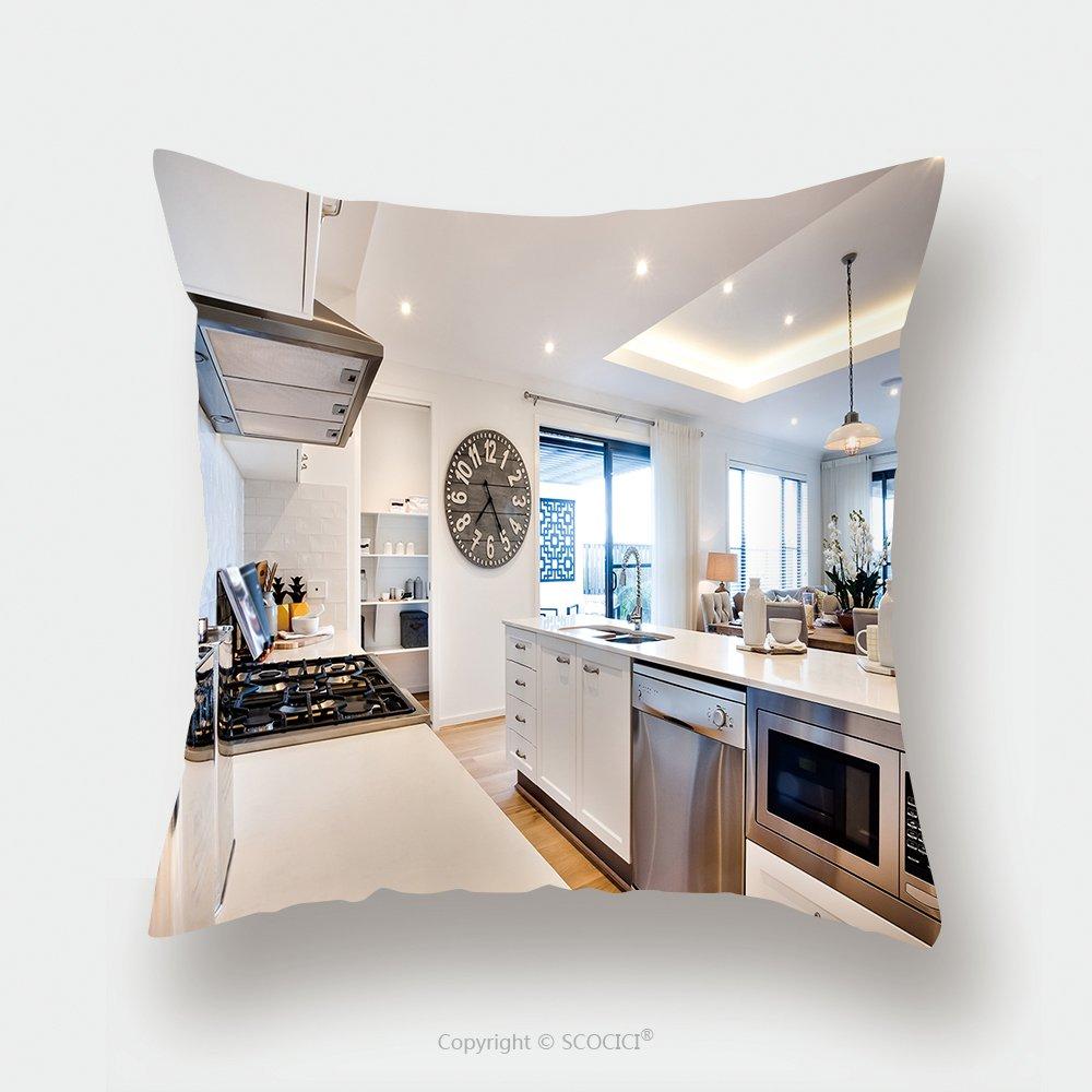 Custom almohada de raso pantalla moderna cocina incluye una estufa con plata y hornos con encimera junto a grandes de madera 451985032 funda de almohada ...