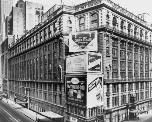 1931 photo R.H. Macy & Co. Building, Broadway & 34th St.. Vintage Black & Whi - 34 Macys St
