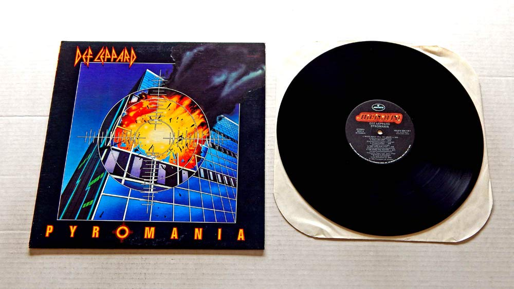 Def Leppard Def Leppard Pyromania Mercury Records 1983 Used Vinyl Lp Record 1983 Rca Music Service Pressing 422 810 308 1 M 1 R170402 Foolin Rock Of Ages Photograph Billy S Got A Gun Amazon Com Music