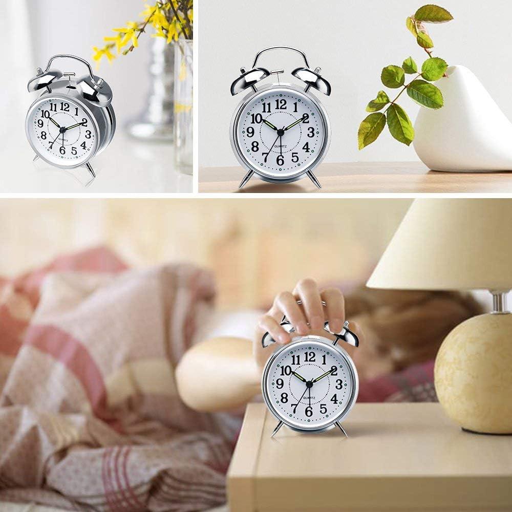 Cikuso Non-Ticking R/éveil Double Cloche 4 Pouces Cadre en M/étal avec Cadran en 3D avec Fonction de R/étro/éclairage Horloge de Table de Bureau pour la Maison et Le Bureau Rouge-Brun