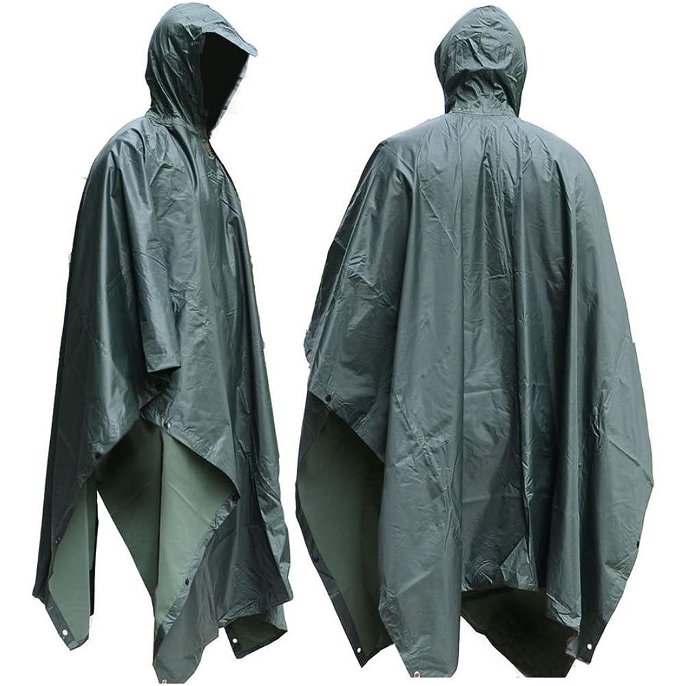 Mit einem Regenponcho können Sie einen Spaziergang auch bei Regen genießen.