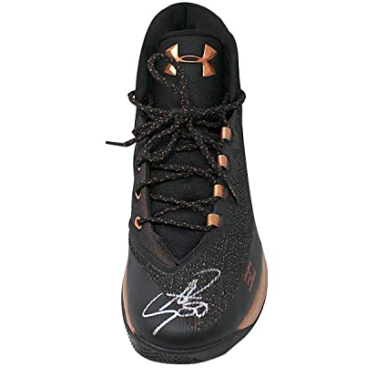 9e5753deef2e Stephen Curry Signed Black Bronze Game Model Under Armor Curry 3 Shoe  (Single) at Amazon s Sports Collectibles Store