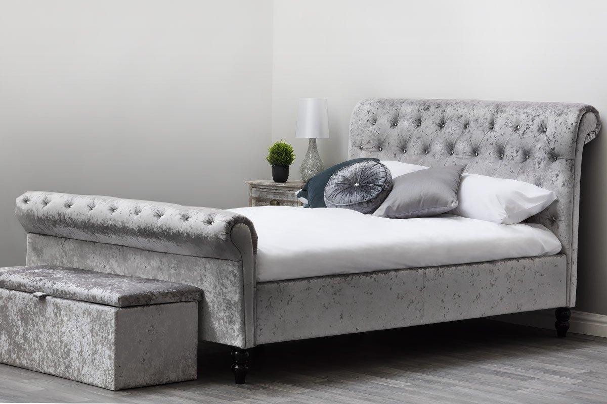 Amazon.de: Sleep Design, St. James Bettgestell aus Pannesamt ...