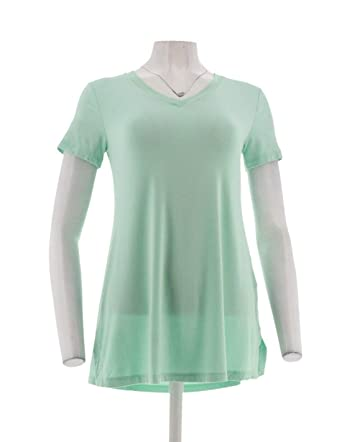 5198542ec79 Halston Essentials V-Neck Tunic Side Slits A301360 at Amazon Women's ...