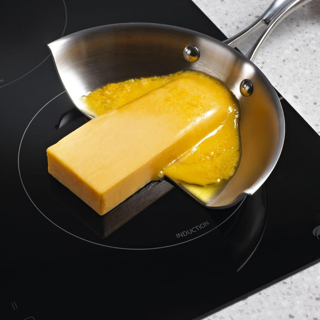 Whirlpool Gold Resource Saver GCI3061XB 30 Induction Cooktop. 4 Zones, Automatic Pan Detection