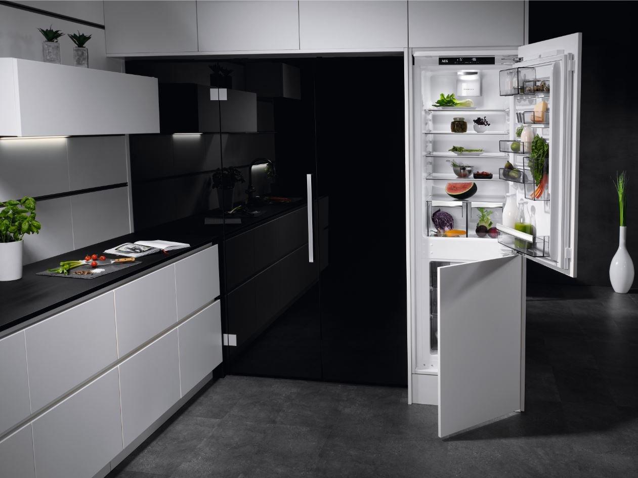 Aeg Kühlschränke Qualität : Aeg sce81864tc einbau kühl gefrier kombination mit gefrierteil unten