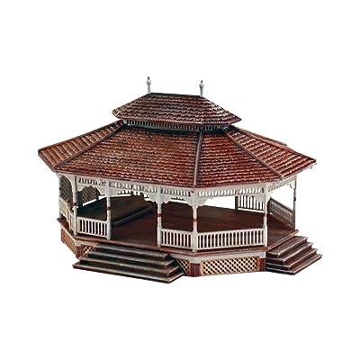 Woodland Scenics HO Scale Pre-Fab Building/Structure Kit Public Pavilion: Toys & Games