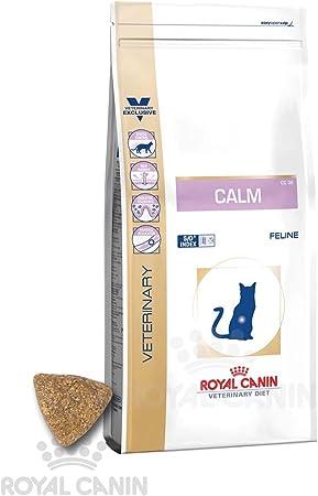 Royal Canin Calm Trockenfutter Fur Katzen Bei Stress Angst Und Unruhe 2kg Amazon De Haustier