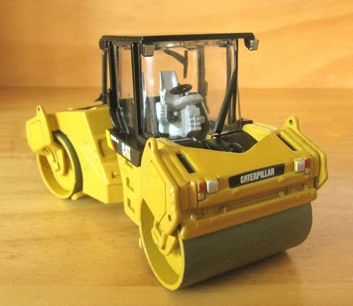 for CAT CB-534D XW vibratory Asphalt Compactor 1/50 DIECAST Model