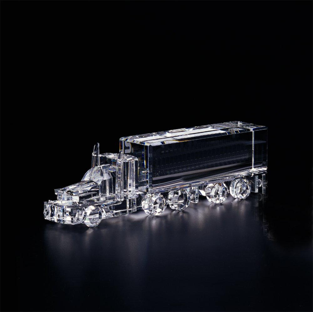 Crystal 18 Wheeler (Large)