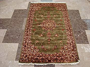 Amazon Com Ahmedani Wow Gold Green Floral Medallion Rectangle Area Rug Hand Knotted Wool Silk Carpet 5 X 3 Furniture Decor