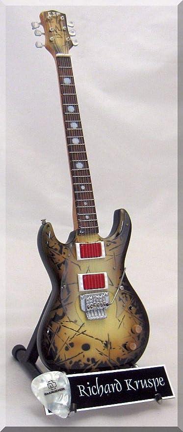 RICHARD Z. KRUSPE Guitarra miniatura con púa de guitarra RAMMSTEIN ...