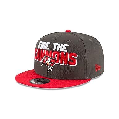 huge discount 33fbd f14d5 Amazon.com  New Era Tampa Bay Buccaneers 2018 NFL Draft Spotlight Snapback  9Fifty Adjustable Hat  Clothing