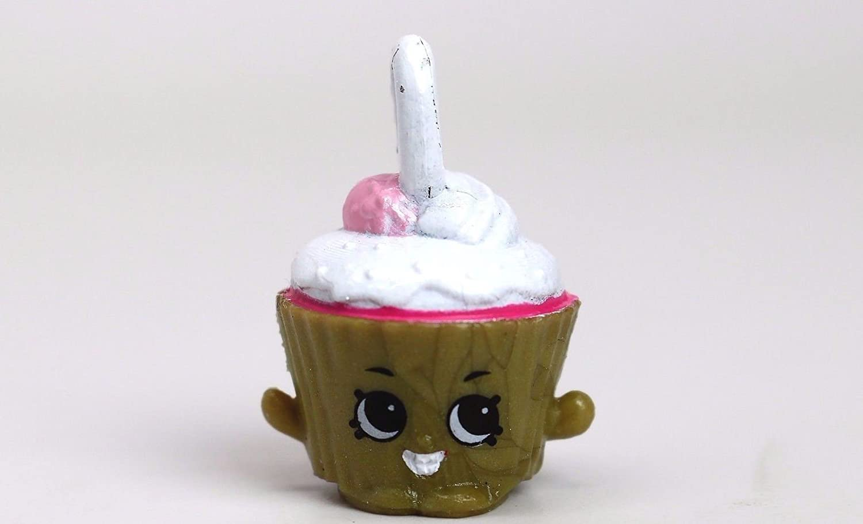 Shopkins Season 5 #5-123 Cupcake Chic Charm Metallic Version