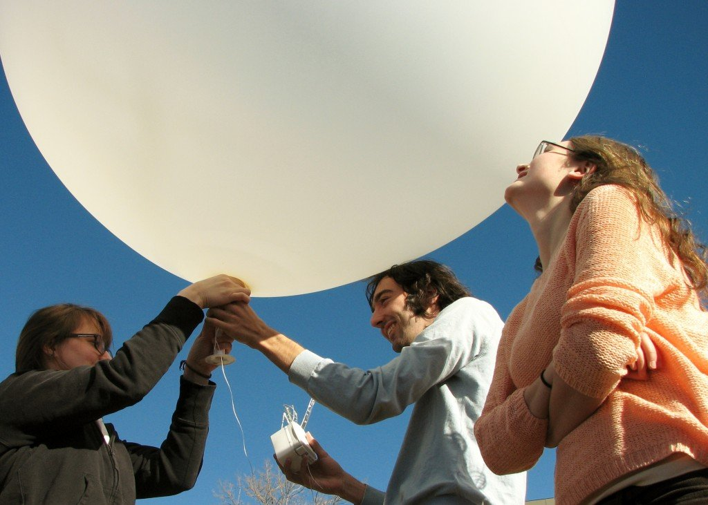 30ft dia. Professional Weather Balloon, 1200g by Scientific Sales