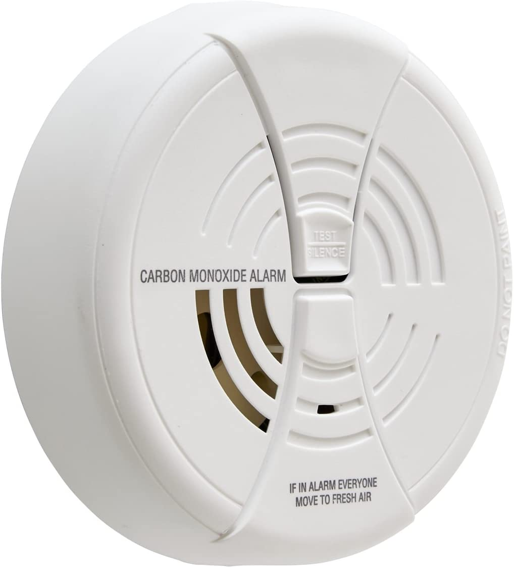 First Alert Carbon Monoxide Alarm |BRK CO250 Battery Operated Carbon Monoxide Detector With 9-Volt Battery & Two Silence Features