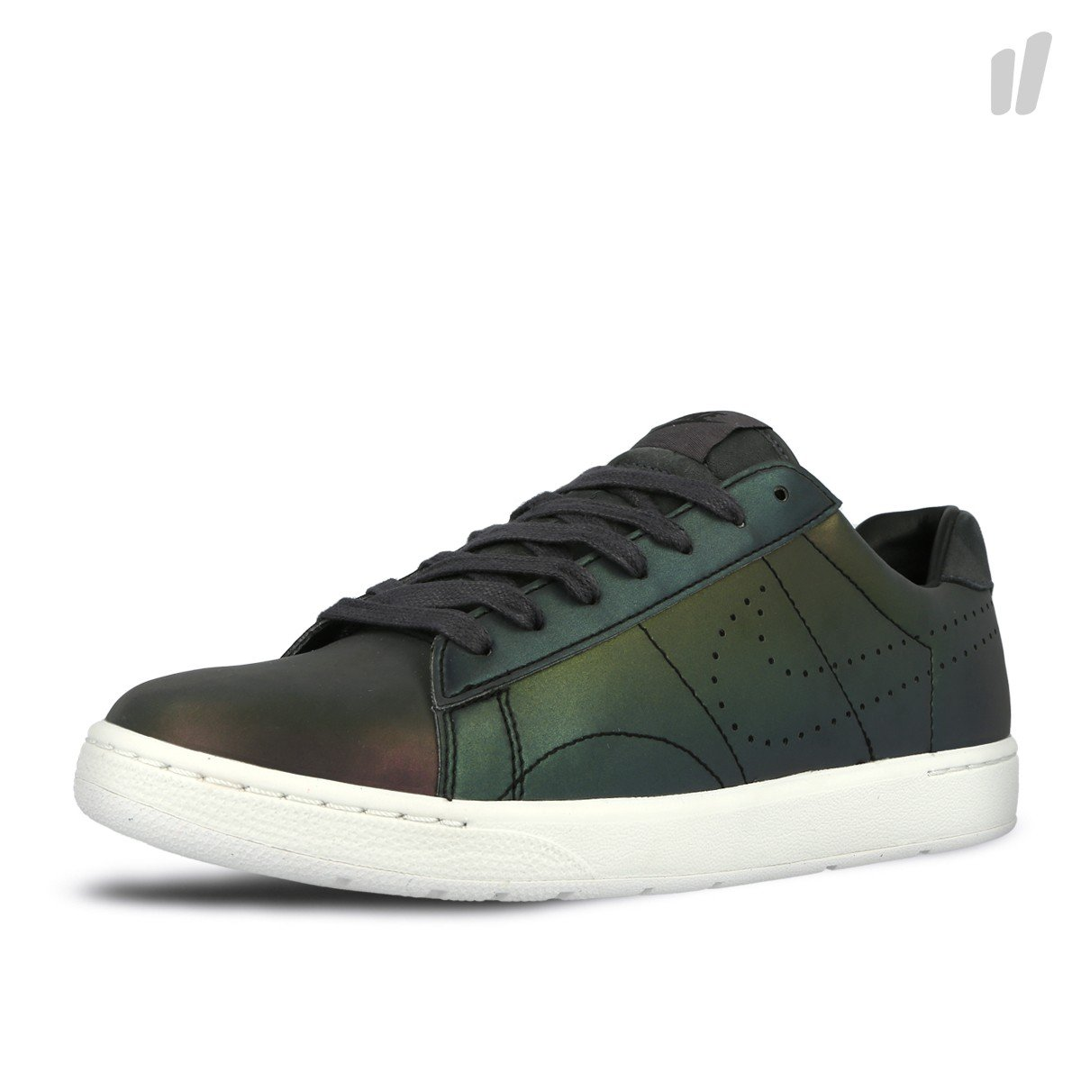 free shipping 03587 7d631 Amazon.com  Nike 830699 001 Tennis Classic Ultra Premium Quick Strike Size  8.5 Black (Black Black-Anthracite-Ivory)  Clothing