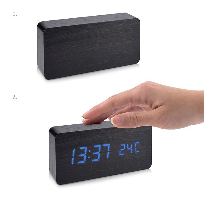 kwmobile Reloj Digital de Madera - Despertador con función de Hora Fecha Temperatura - Reloj Despertador con Cable USB en Negro con Leds Azules: Amazon.es: ...