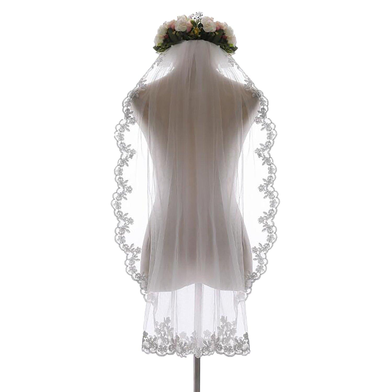 1 Tier Short Wedding Bridal Veil with Comb Lace Applique Edge Fingertip Length