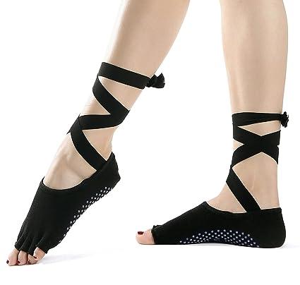Amazon.com   Flyen Yoga Socks - Non Slip Skid Toeless Grip Socks ... aad4a79fa