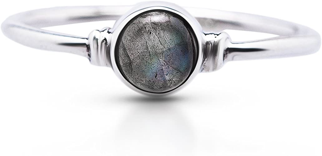 Chic ethnic ring in Silver 925 Silver wedding ring set with a semi-precious stone