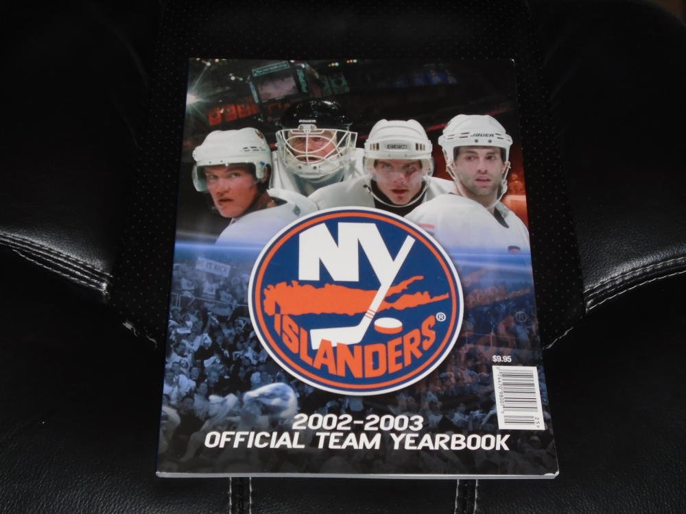2002 2003 NEW YORK ISLANDERS NHL HOCKEY YEARBOOK NEAR MINT