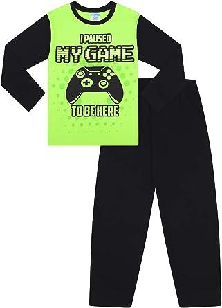 Pijama largo verde con texto en inglés