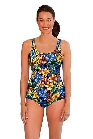 259822058e Amazon.com  Aquamore Chlorine Resistant Oasis Scoop Neck One Piece ...