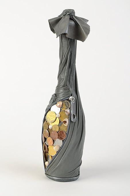 Botella decorativa artesanal hucha decorada con cuero monedas y conchas negra