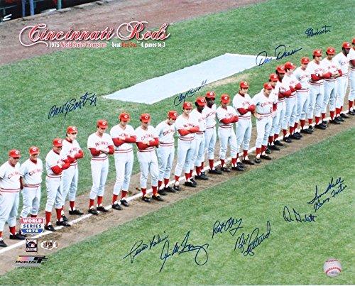 - 1975 Cincinnati Reds Signed 16x20 Photo - 11 Total Signatures! - George Foster, Don Gullett, Pedro Borbon, etc.