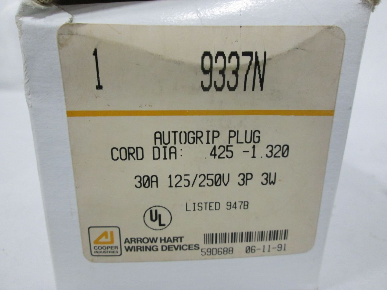 New Arrow Hart 9337n Autogrip Plug 125 250v 30a 3w 3p Wiring Devices Receptacle D316312 Industrial Scientific