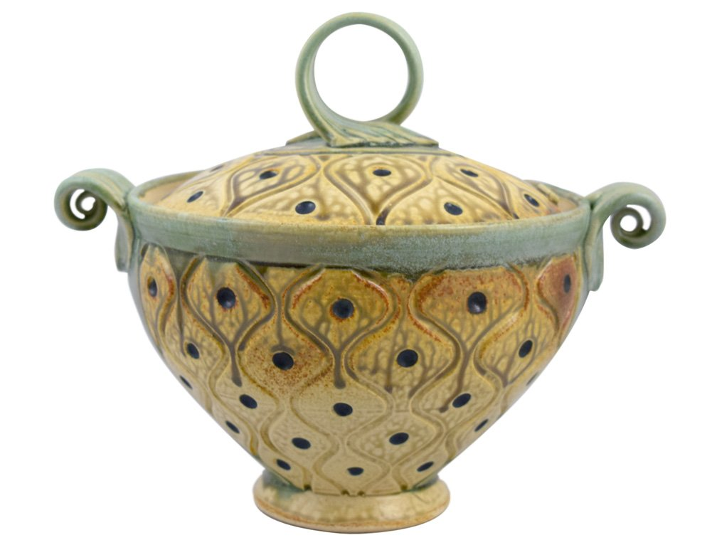 American Made Hand-Carved Pottery Lidded Casserole Dish with Diamond Tuft Pattern, Stoneware, 2-1/2-Quart