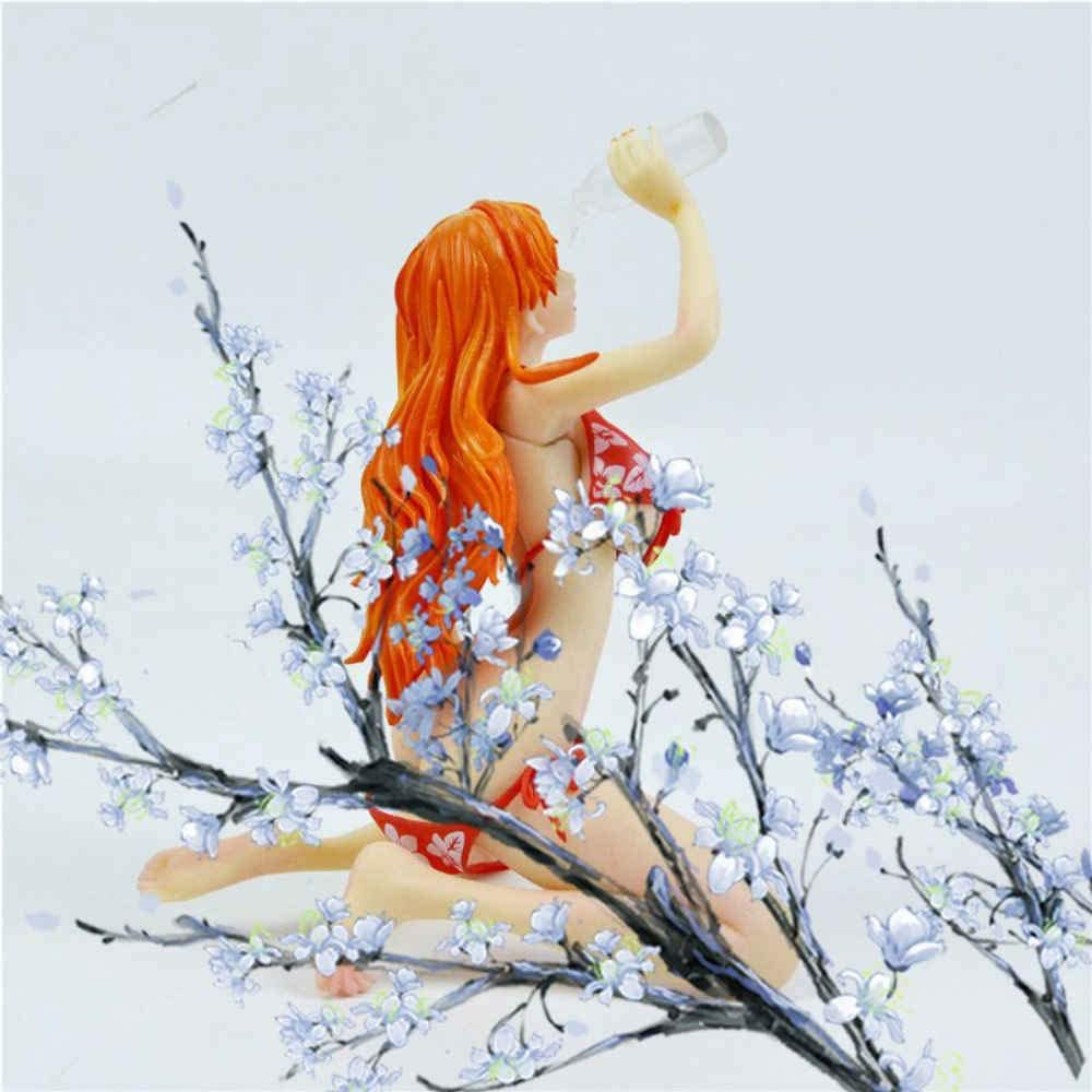 JGUSVYT Nami Figur Anime Modell f/ür Weihnachten Dekoration Statue Puppenspielzeug One Piece Figur Trinken Milch Baden Sch/önheiten Nami Geschenk