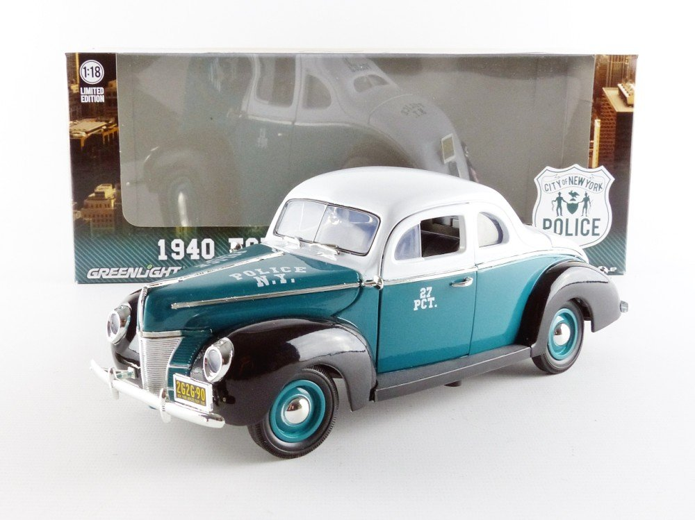 GreenLight 1940 Ford Deluxe Coupe New York City Police Department NYPD Vehicle (1:18 Scale) 12972