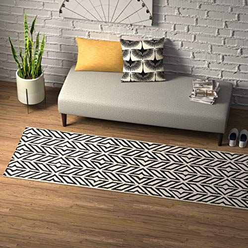 Rivet Contemporary Handtufted Cotton-and-Wool Rug with Geometric Feathered Pattern, 2 6 x 8 , Black and Cream