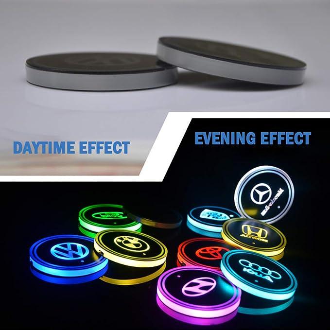 Scegli Il Logo della Tua Auto VILLSION Auto Portabevande LED Impermeabile Luce a LED 7 Colori Ricarica USB Portabottiglie Auto LED Decorazione per Interni Lampada Atmosfera Auto
