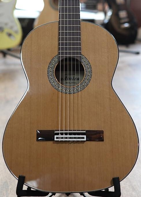 En la parte superior de cedro español Admira Solista de guitarra ...