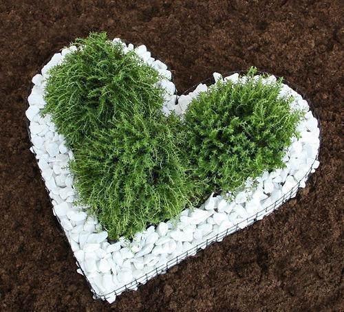 Bellissa Herzgitter mit Zierkies Herz Gitter Grabschmuck Grabgestaltung Blumentopf Friedhof von Gartenwelt Riegelsberger