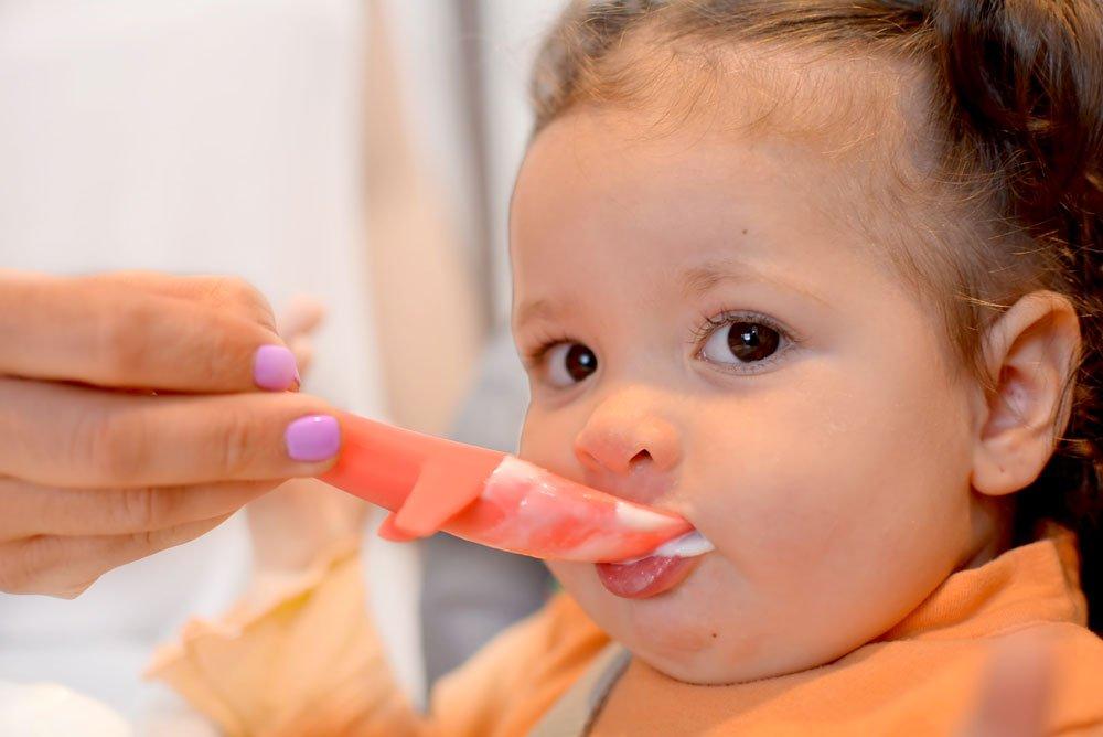 weicher Kinderl/öffel f/ür das sichere selber Essen von z.B aus lebensmittelechten Silikon als Zweierset INVENTO Kleckerfreier Baby Lernl/öffel ideal f/ür BLW Suppen und Brei