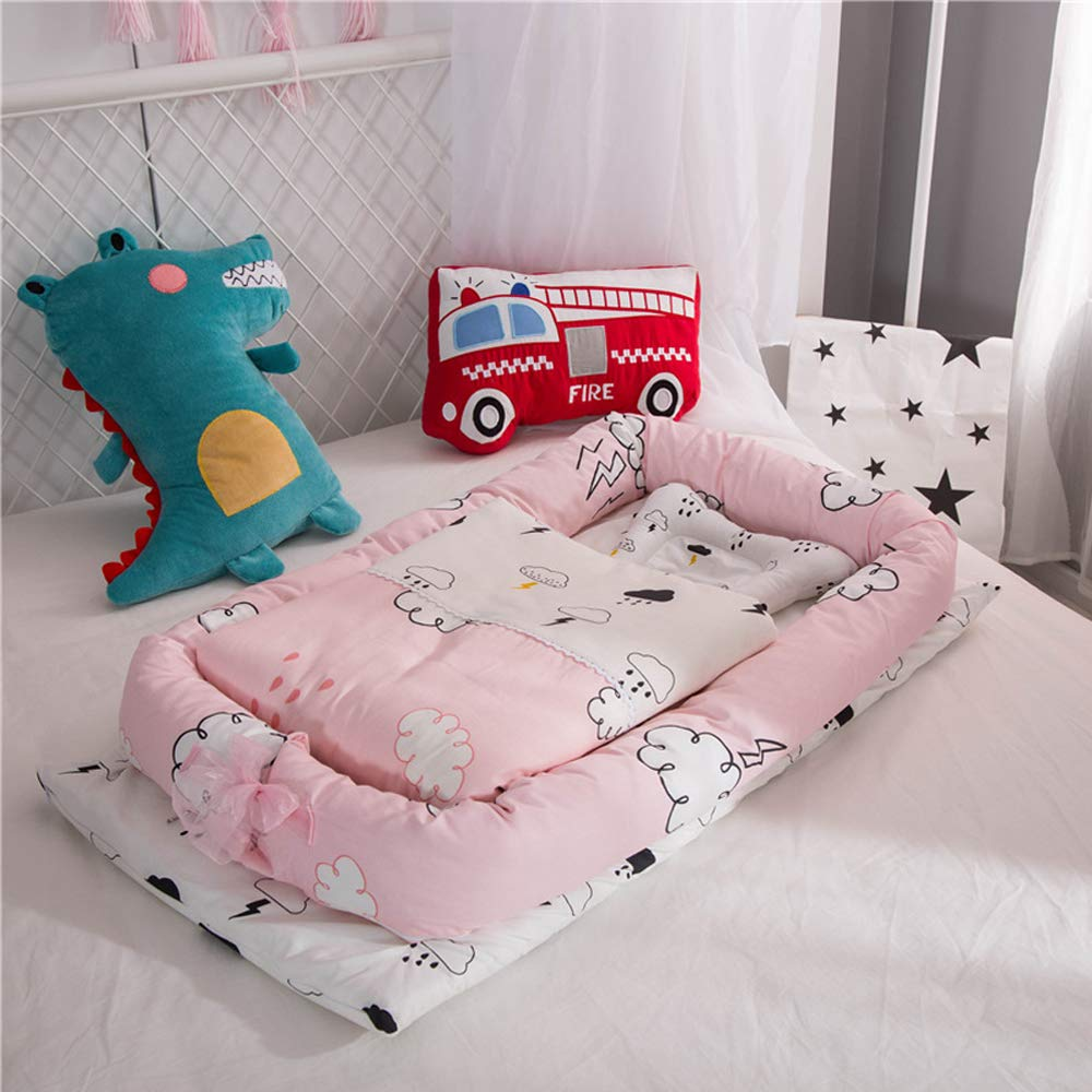 Baby Bassinet for Bed,Newborn Portable Crib & Cradles Lounger Cushion with Quilt,Breathable and Hypoallergenic Sleep Nest for Bedroom/Travel Cloud