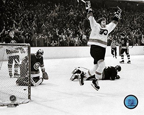 Philadelphia Flyers Photo File (Bobby Clarke Philadelphia Flyers NHL Action Photo (Size: 8
