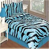 Queen Size Comforter W/2 Shams In Aqua