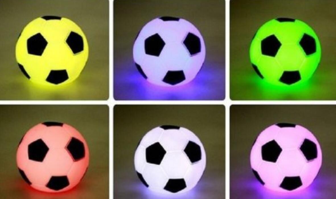 in the Dream Mini 7 Changement de Couleur LED Football Football lumière Humeur Nuit Lampe fête décoration Enfants Cadeau Jouet