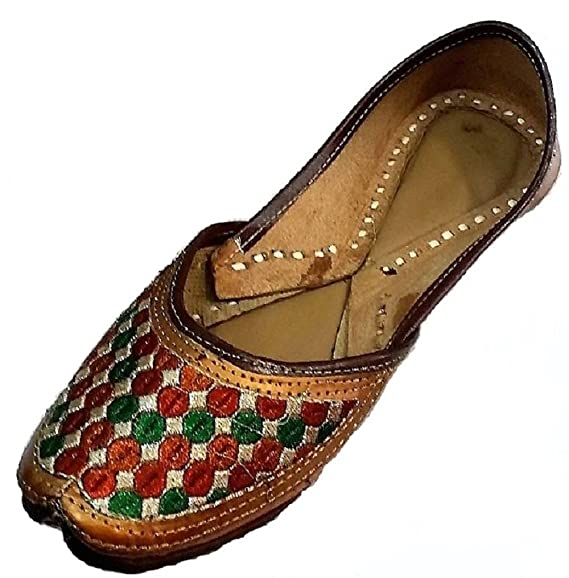 372029e5b Indian Traditional Handmade New Mojari Jutti Slippers Flip Flop Flat Women  Shoes  Amazon.in  Clothing   Accessories