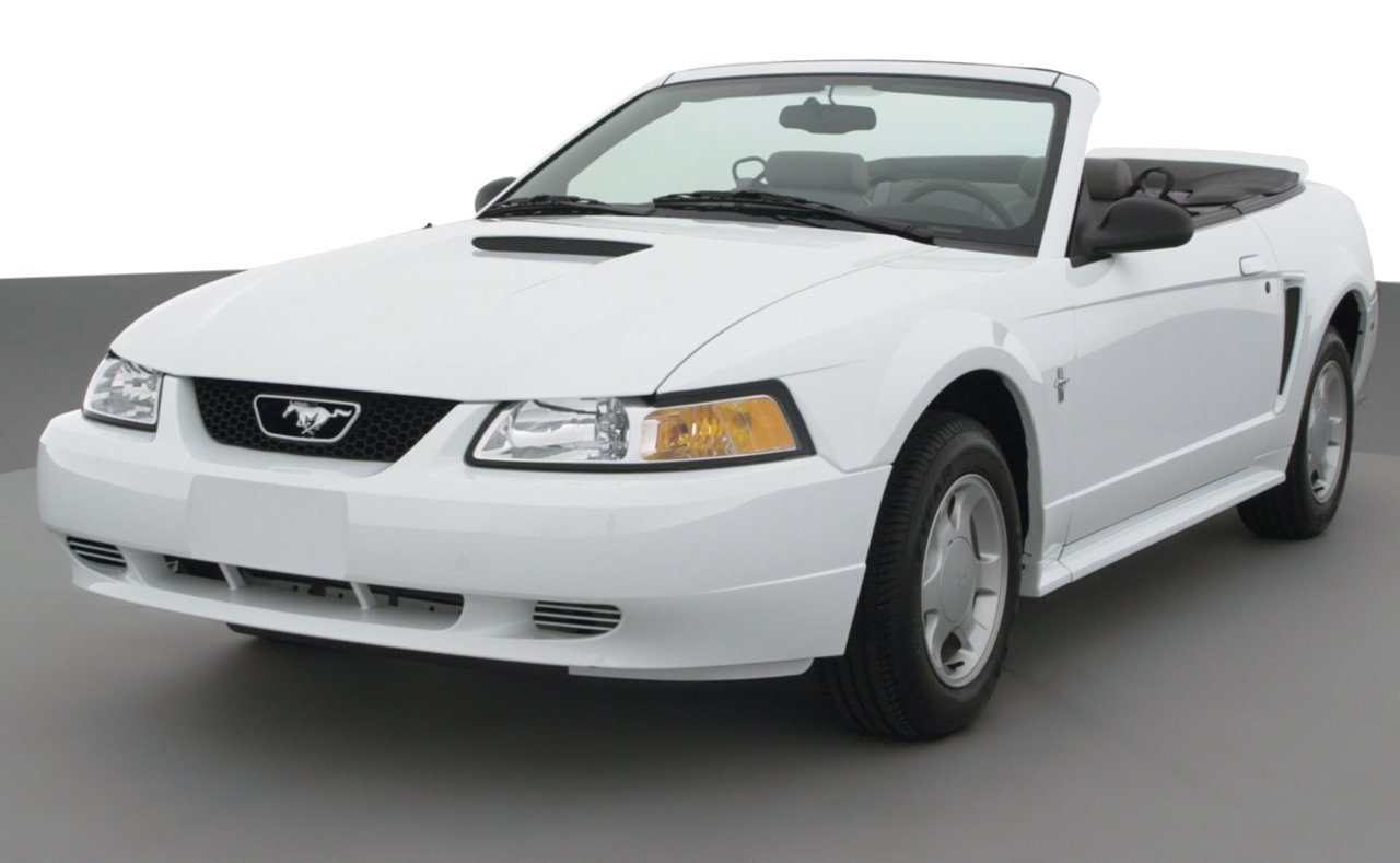 2000 ford mustang 2 door convertible