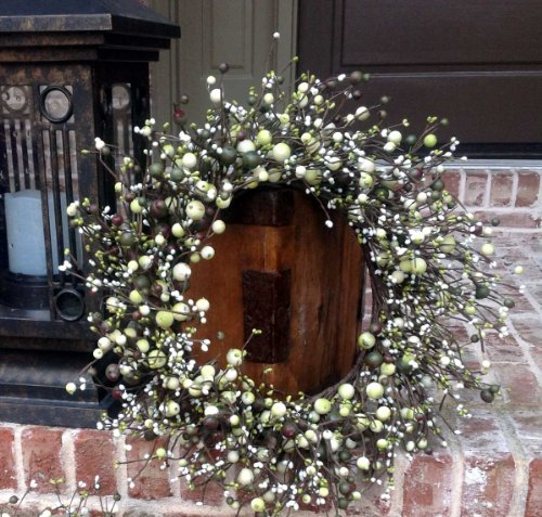 "Berry Wreath - Two Piece Set - 20""/15""- Cream Green"